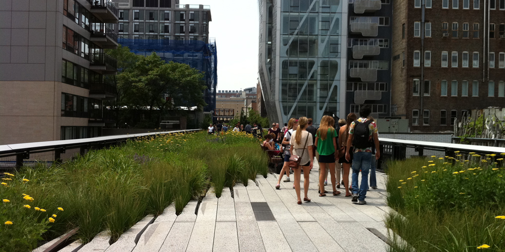 High Line Art, 2009-.  New York, New York, USA. Photograph:  Lucy Ainsworth